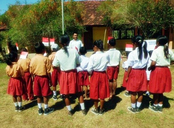 Mengenal Indonesia Lewat Merah Putih
