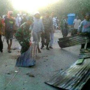 Blokade Jalan Dibuka, Nasib Pengungsi Godo Memprihatinkan