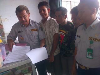 Penandatanganan Mou antara Dishubkominfo Kabupaten Bima dengan Tukang Parkir Kecamatan Bolo dan Madapangga.