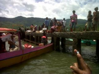 Aktivitas warga di desa Sarae Ruma, Kecamatan Langgudu
