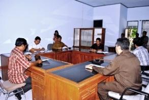 Anggota DPRD di Ruang Komisi IV.