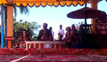 Prosesi Lanti dalam rangkaian upacara adat Tuha ro Lanti Sultan Bima ke XVI . Foto: Arief