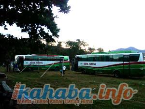Bus yang diamankan setelah mengangkut 108 orang pekerja asal Sape. Foto: Buser
