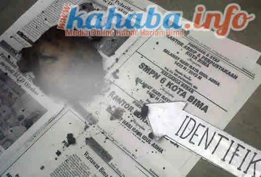 Kepala sapi yang ditemukan warga di TPU Jatibaru saat dilakukan olah TKP. Foto: Cen