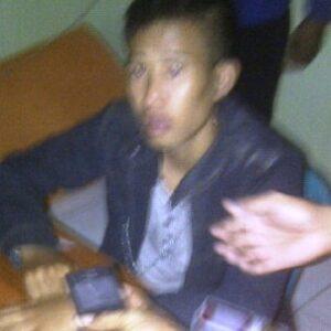 Pelaku Curanmor di RS PKU Muhammadiyah, Kamis (22/8/2013) yang diamankan satpam setempat. Foto: Agus