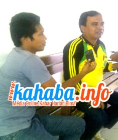Kepala BKD Kabupaten Bima, Tajudin SH (Baju Kuning). Foto: Gus