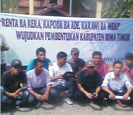 Spanduk Bima Timur. Foto: Garda Asakota File