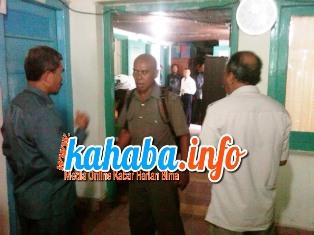 Lurah lelamase Ngamuk di Kantor BPN Kota Bima. Foto: BIN