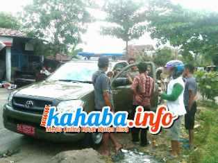 Pol PP Ciduk Pelaku yang diduga mesum di areal persawahan Kelurahan Rabangodu Utara. Foto: DEWA