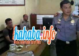 Terduga Bandar sabu-sabu saat diperiksa di ruang SPK Polres Bima Kota. Foto: Dewa