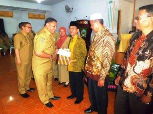 566 PNS Purna Tugas Pemkab Bima Terima Tali Asih. Foto: HUMAS