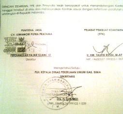 Data kontrak Direktur CV. Lewamori Putra Pratama, Ferdiansyah Fajar Islam, ST menandatangani kontrak pengadaan sampan fiberglass.
