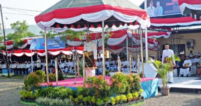 Peringati hari jadi Bima ke-374, Pemerintah Kabupaten Bima gelar upacara di Halaman Kantor Pemkab Bima. Foto: Bin