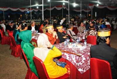 Suasana makan malam acara FKN Bima. Foto: Bin