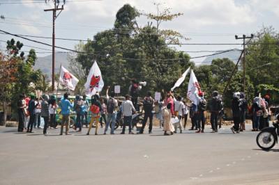 SMI Demo Tolak BBM. Foto: Bin