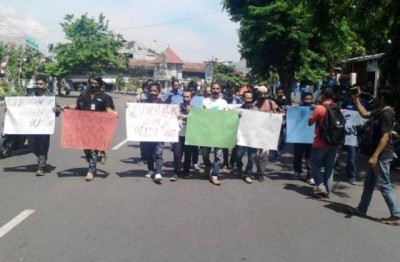 Aksi Solidaritas Wartawan Bima. Foto: Abu