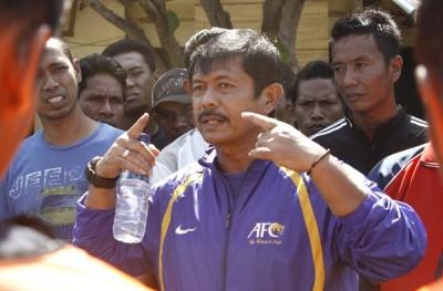 Indra Sjafri saat memberikan pengarahan kepada Tim Persekobi. Foto: Bin