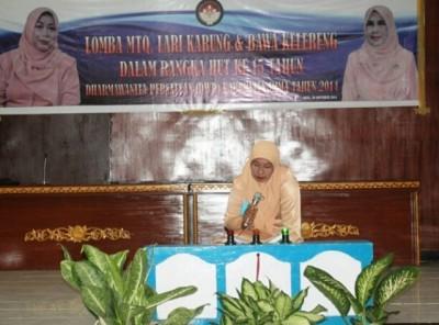 Lomba pada HUT ke-15 Dharma Wanita Persatuan (DWP) Kabupaten Bima. Foto: Hum