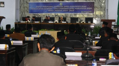 Paripurna Pelantikan Pimpinan DPRD Kabupaten Bima Periode 2014 - 2019. Foto: Bin