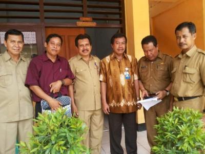 Tim LPMP NTB berpose bersama dengan jajaran Dinas Dikpora Kabupaten Bima. Foto: Bin