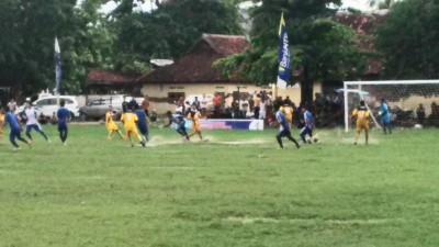 Laga Kodo Versus Tanjung. Foto: Bin