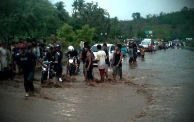 Suasana banjir di batas Kota. Foto: Teta