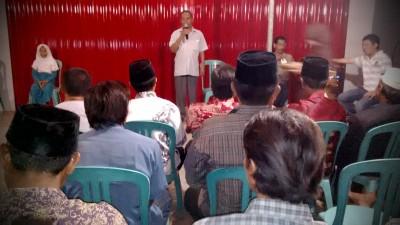 Anwar Arman saat memberikan sambutan pada Reses. Foto: Bin