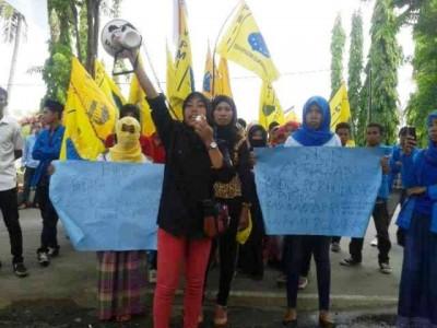 PMII Demo Hari Anti Korupsi. Foto: Teta