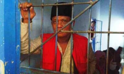 Paimo saat berada di Sel Pengadilan Negeri Raba Bima. Foto: Teta