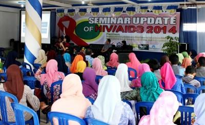 Seminar Update of HIV/AIDS Tahun 2014. Foto: Bin