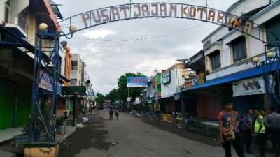 Situasi Kompleks pertokoan Kota Bima Sepi, Karena Aparat masuk menyisir dalam perkampungan. Foto: Erde