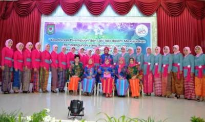 Foto bersama saat Upacara Peringatan Hari Ibu ke 86. Foto: Bin