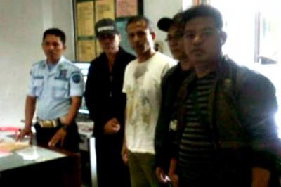 Terdakwa kasus air bersih saat diterima di Lapas Mataram. FotoL Teta