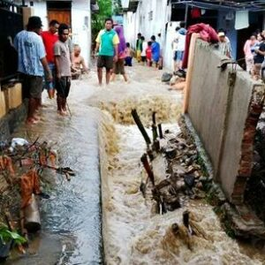 Warga Sorot Kepedulian Dewan di Lokasi Banjir