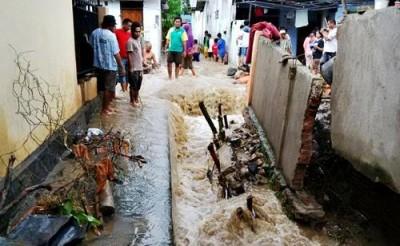 Kondisi banjir di Lingkungan BTN Kelurahan Panggi.  Foto: Bin