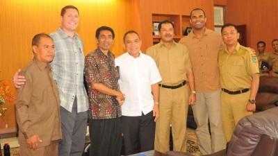 Walikota Bima saat menerima kunjungan Gubernur NTT. Foto: Hum