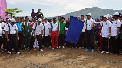 Balap Karung dalam rangkaia kegiatan Launching. Foto: Hum