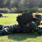 Tentara Bima Latihan Kualifikasi Mahir Menembak