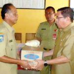 Warga Monta Terima Bantuan Tanggap Darurat Dari Bupati