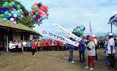 Launching Bhakti HUT Kota Bima ke-13 Ditandai Dengan Pelepasan Balon. Foto: Hum