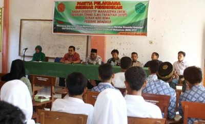 Suasana Seminar yang digelar BEM STIT Sunan Giri Bima. Foto: Erde