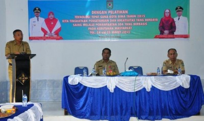 Wakil Walikota Bima H. A. Rahman H. Abidin, SE secara resmi membuka kegiatan Pelatihan Teknologi Tepat Guna Tingkat Kota Bima. Foto: Hum