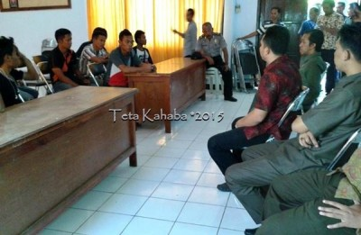FRM saat diterima pihak Kejaksaan Negeri Raba Bima. Foto: Teta