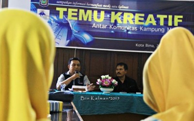 Komunitas Kampung Media saat menggelar kegiatan Temu kreatif. Foto: Bin