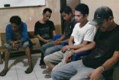 Lima orang Tersangka yang dibekuk. Foto: Teta