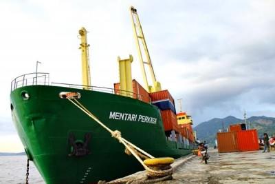 Mentari Perkasa Foy III saat bersandar di Pelabuhan Bima. Foto: Bin