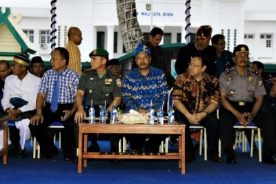 Walikota Bima bersama FKPD di tribun utama pawai. Foto: Bin