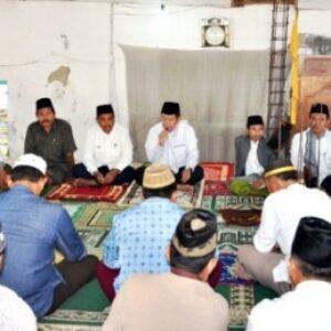 Jumat Khusyu di Padolo, Bupati Bima Himbau Tingkatkan Gotong Royong