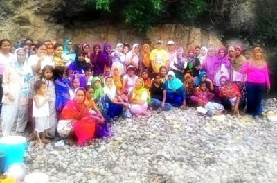 Foto bersama peserta PKH Kelurahan Nungga usai acara Syukuran. Foto: Bin