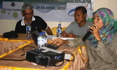 Husnul Hatimah M.Hum saat memberikan materi tentang pengembangan kawasan Tambora. Foto: Erde